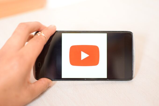 YouTubeの再生回数と収入の関係性は?大切なのは再生回数だけじゃない!
