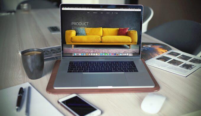 Webデザインを副業にしたい方必見!Webデザイナーになる方法と収入アップのポイントを解説!